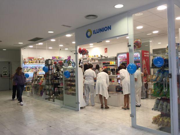 Exterior de la nueva tienda de ILUNION Retal en Granada