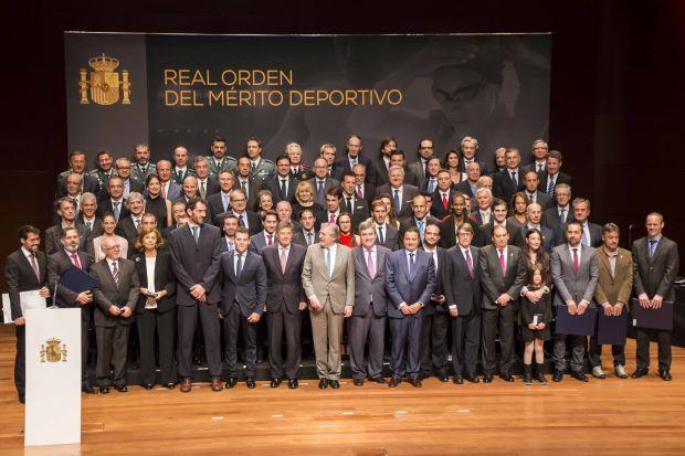 Foto de Familia de la entrega de medallas de la Real Orden al Mérito Deportivo