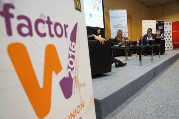 PORTADA OK En primer plano se ve el nombre del Congreso, Factor W, y en segundo al mesa en la que participa el vicepresidente de ILUNION, José Luís Martinez Donoso