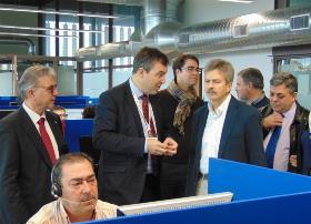El consejero de Economía e Infraestructuras de Extremadura durante un momento de la visita