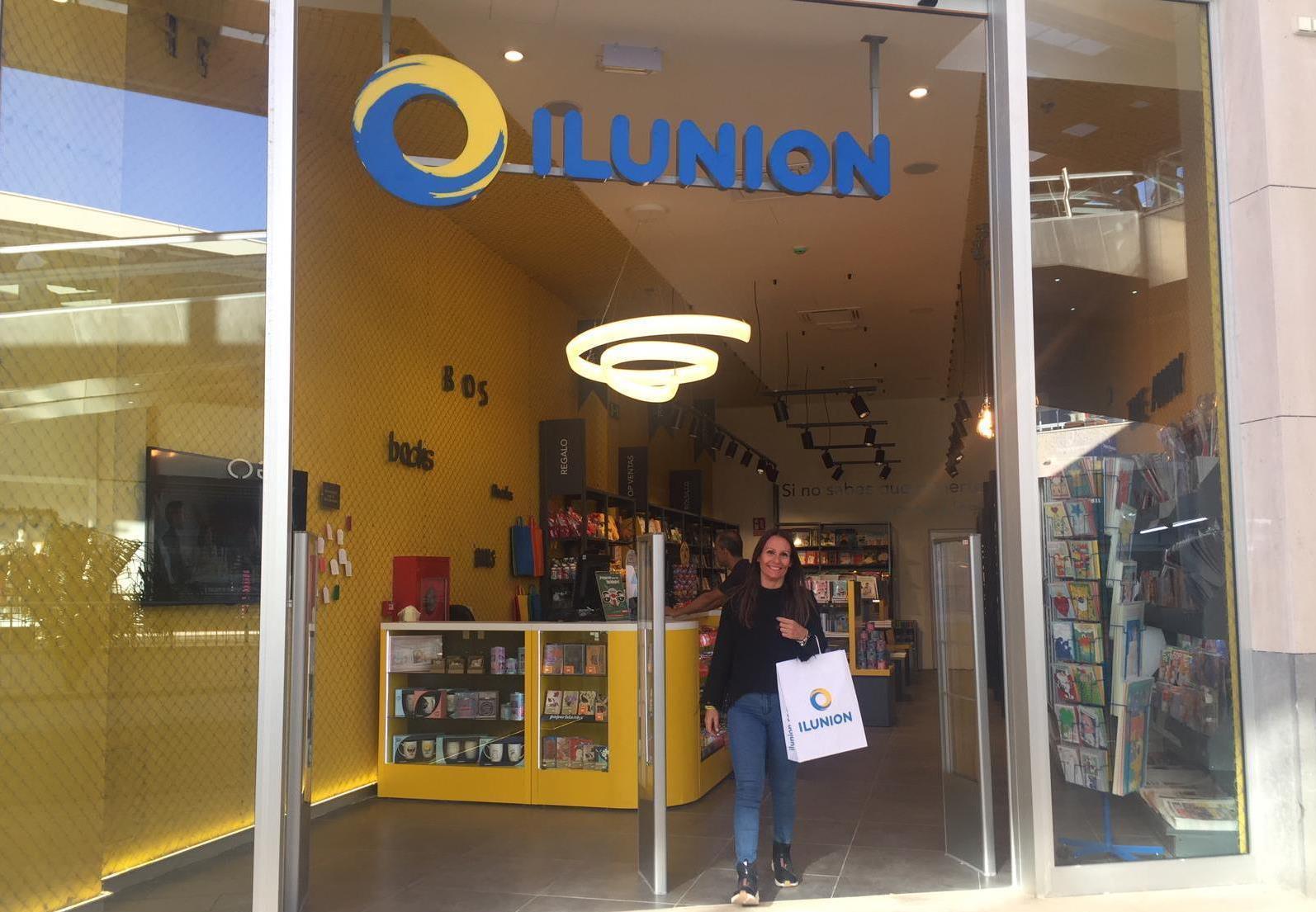 PORTADA 3 Foto de la entrada de la nueva tienda de ILUNION