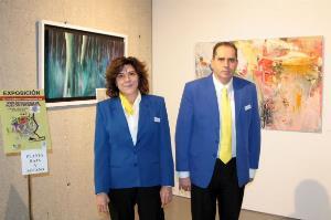 Dos guías con discapacidad atienden a los visitantes del Museo Boca del Calvari de Benidorm