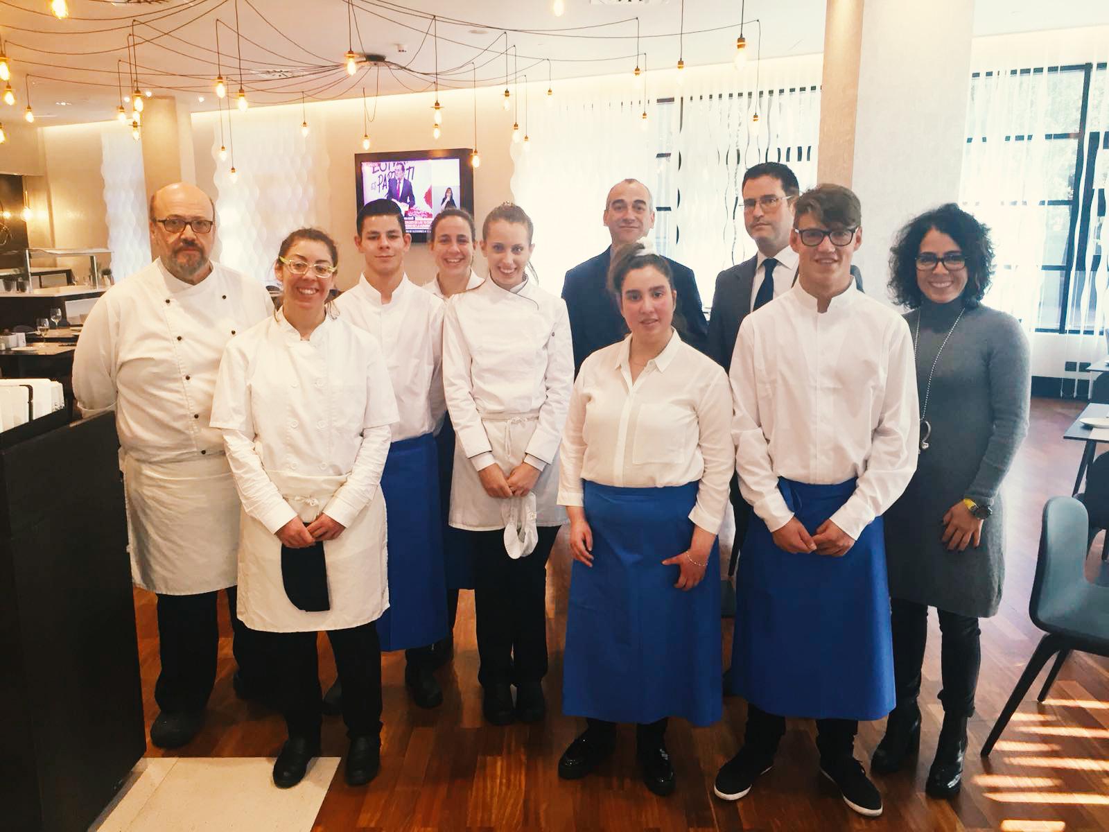 Seis estudiantes con discapacidad intelectual se forman en las cocinas del hotel ILUNION Pío XII