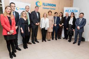 Parlamentarios europeos visitan el centro de Contact Center que ILUNION tiene en Madrid
